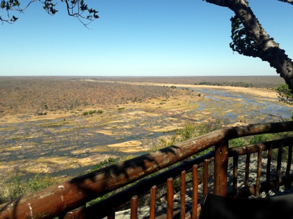 Looking east down the Olifants River from the Olifants camp restaurant. ©LB/notefromafrica.wordpress.com