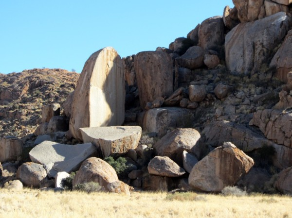 Interesting rock formations in the Tirasberg conservancy. ©LB/notesfromafrica.wordpress.com